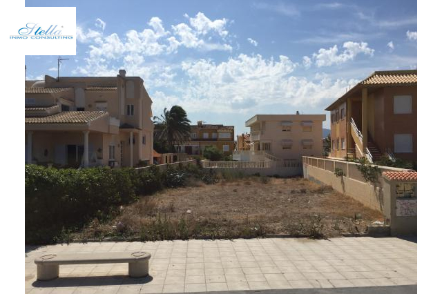 residential ground in Oliva for sale, condition modernized, air-condition yes, plot area 488 m², swimming-pool yes, ref.: 2-4416-24