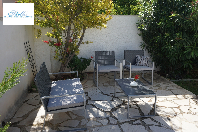 summer house in Els Poblets for holiday rental, built area 126 m², year built 1995, condition modernized, + central heating air-condition yes, plot area 560 m², 2 bedroom, 1 bathroom, swimming-pool yes, ref.: V-0117-8