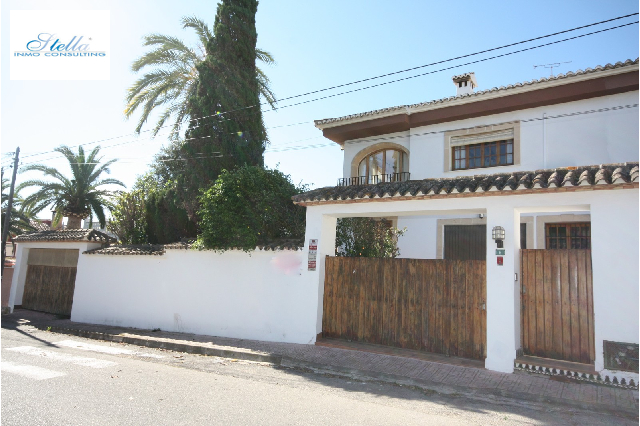 villa in Denia(Paidos) for sale, built area 305 m², year built 1985, condition neat, + stove air-condition yes, plot area 587 m², 5 bedroom, 3 bathroom, swimming-pool yes, ref.: SC-T13719-1