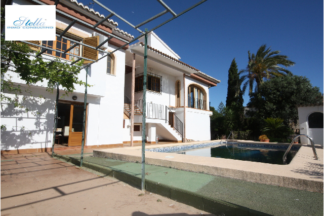 villa in Denia(Paidos) for sale, built area 305 m², year built 1985, condition neat, + stove air-condition yes, plot area 587 m², 5 bedroom, 3 bathroom, swimming-pool yes, ref.: SC-T13719-3