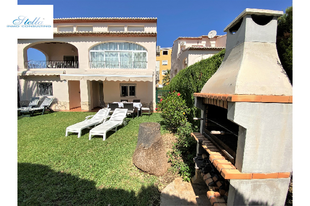 terraced house cornerside in Oliva for sale, built area 133 m², year built 2002, condition modernized, air-condition yes, plot area 206 m², 4 bedroom, 4 bathroom, swimming-pool yes, ref.: SC-G0120-3